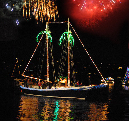 Lighted-Boat-parade-2012